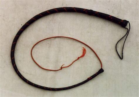 Handmade Whips - bull whips and stock whips handmade by bould whips australia