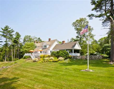 maine waterfront cottages for sale top home kirstie alley s oceanfront cottage for