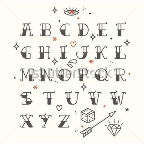 amiguito de la escuela en letra cartel del tatuaje estilo fuente alfabeto condensada