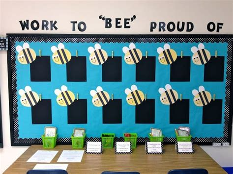Way Proud Of 2 by Best 25 Bee Bulletin Boards Ideas On Bee