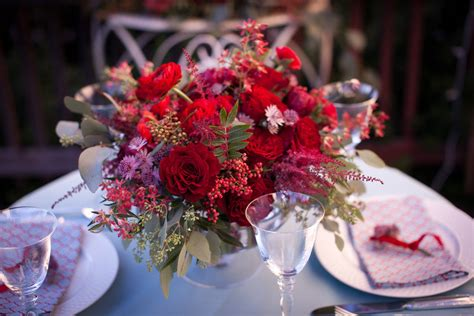 Roses In Vases Centerpieces by Wedding Flower Centerpiece