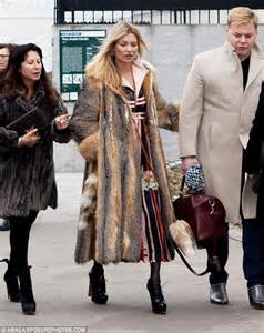 real or how do you wear your fur kate moss wears fur coat for second day in a row