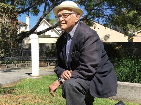 norman lear knee norman lear takes a knee in solidarity with nfl players