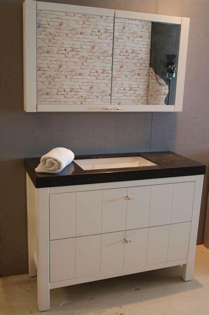 badkamermeubel landelijk modern landelijk badkamermeubel met een porseleinen onderbouw