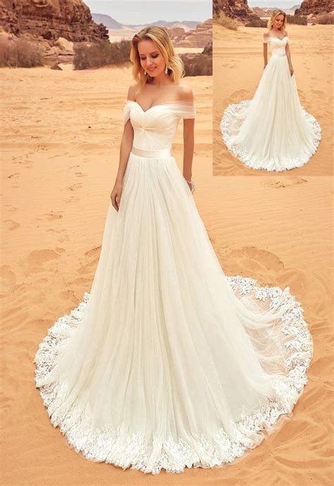 Ivory Wedding Gown by Best 25 Wedding Gowns Ideas On