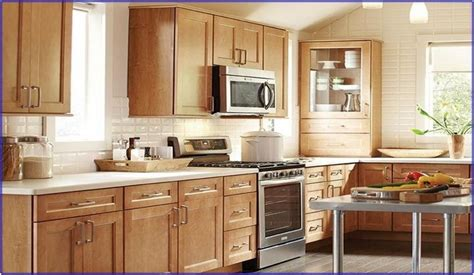 how to refinish maple cabinets how to refinish maple kitchen cabinets