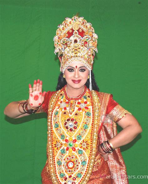 sudha chandran biography in english chandran luxmy pictures news information from the web