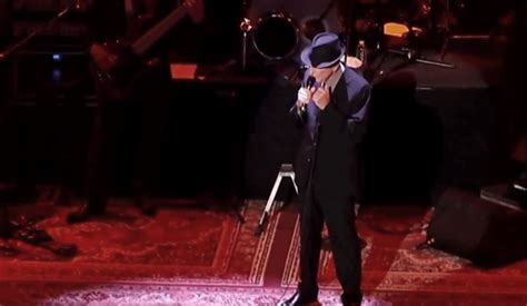 leonard cohen s gripping performance of going home