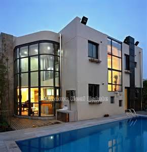 Modern House Exterior Design by Location