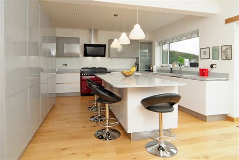 Handmade Kitchens Sheffield - handleless kitchen design peenmedia