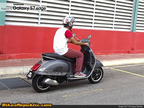 modifikasi vespa gts 150 the posh commuter vespa gts 150 3v i e review