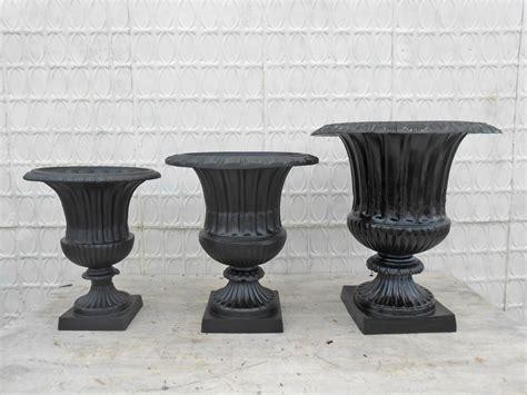 Cast Aluminum Planters by 25 Quot Large Venetian Cast Aluminum Flower Planter Urn