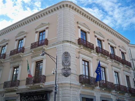 Di Commercio Di Crotone by Riunificate Le Camere Di Commercio Di Catanzaro Crotone E