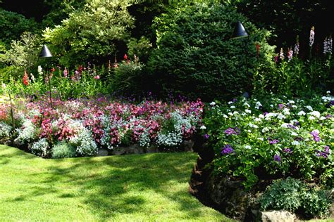 Butchart Gardens 100 Years Of Beauty The Radish Patch Year Flower Garden