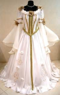 medieval wedding dress at http weddingsocialnetworking blogspot com 2012 06 medieval wedding