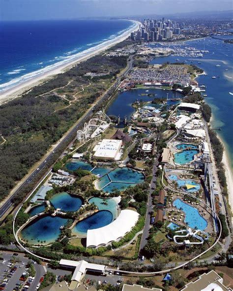 themes gold coast sea world water park