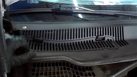 2010 chrysler 300 cabin air filter location and
