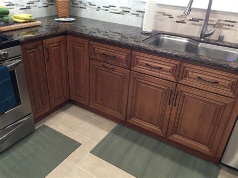 Coffee Maple Cabinets by Coffee Maple Glaze Kitchen Cabinets