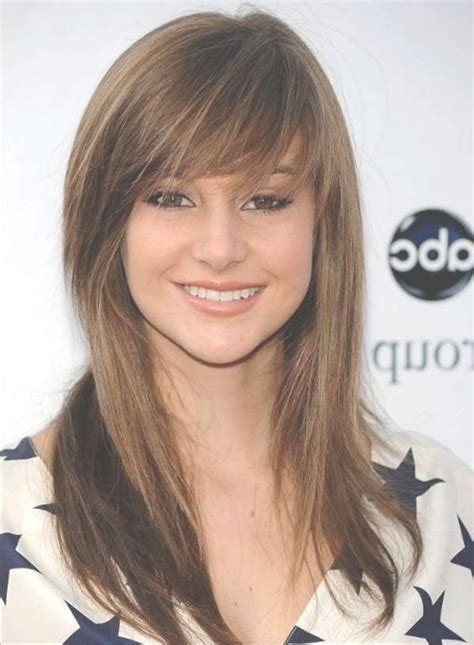 Hairstyles For Medium Layered Hair With Side Bangs by 2018 Popular Layered Medium Haircuts With Side Bangs