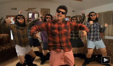 download mp3 bruno mars lazy song free bruno mars drops trou and monkeys around in the lazy song