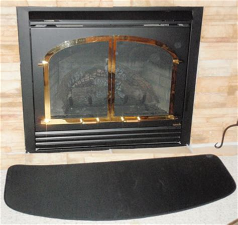 hearth pad for indoor and outdoor fireplaces