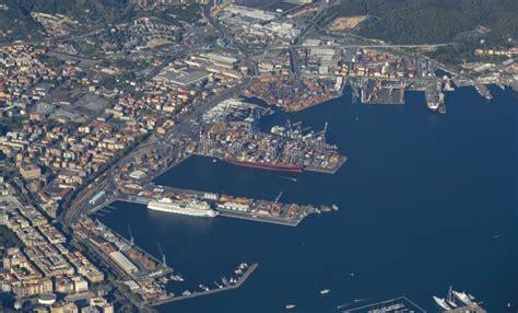 porto di la spezia porto record nel 2017 la spezia porta della svizzera