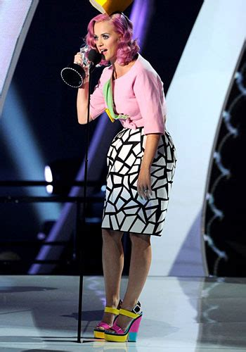 Sepatu Katy Pink 8 sepatu selebriti paling populer di 2011 my blogs