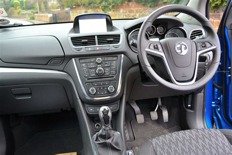 vauxhall mokka interior vauxhall mokka 1 6 tech line review drivingtalk