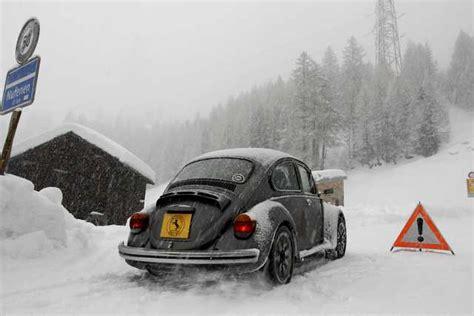 pneumatici invernali test pneumatici invernali termici e chiodati test su maggiolino