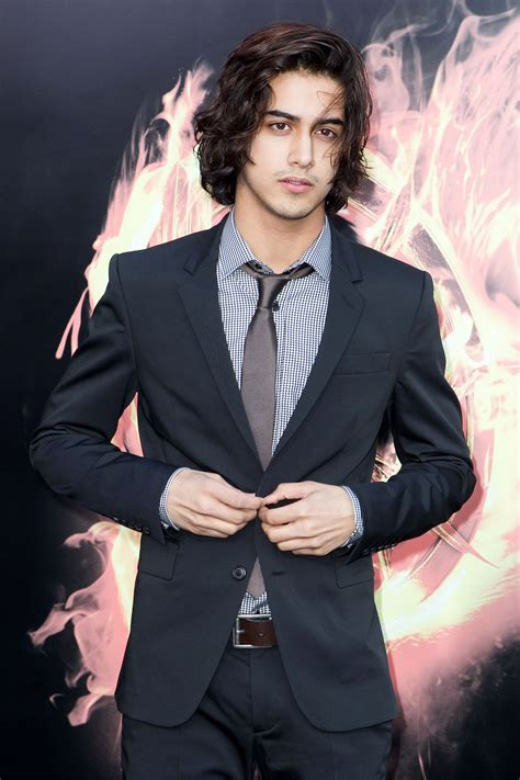 avan jogia at the world premiere of the hunger games
