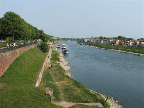 fiume di pavia file pavia fiume ticino dal ponte coperto jpg