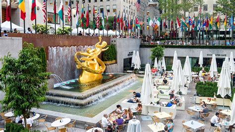 which hotels have a view of rocksfeller center tree hotels near rockefeller center omni berkshire place