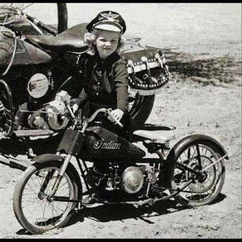 Old Indian Motorrad by Girl With Her Little Indian Motorcycle