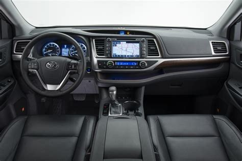 suv toyota inside 2014 toyota highlander suv premium interior with