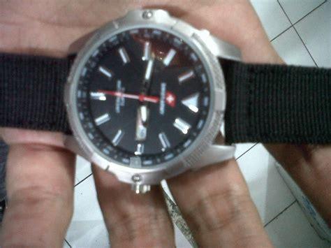 Jam Tangan Pria Swiss Army Paket 16 jual jam tangan swiss army water resistant anti air