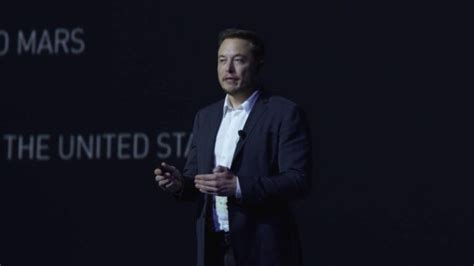 elon musk update spacex s elon musk sets fans up for a surprise during mars