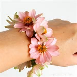 How To Make Wrist Corsage Grow Creative Blog Fresh Flower Wrist Corsage