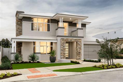 techo de zinc fachada de casa moderna con techo de chapas de zinc