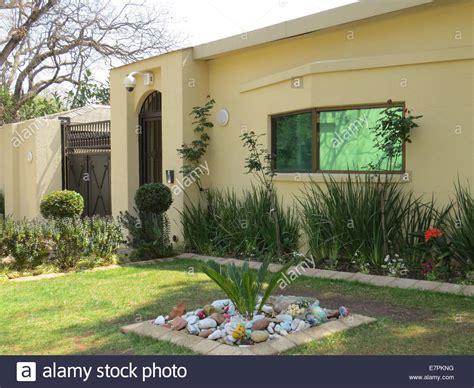 buy a house in johannesburg nelson mandela s house in houghton johannesburg where he died on 5 stock photo