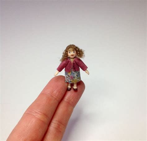 dollhouse for 4 inch dolls miniature 1 4 1 48 quarter inch scale