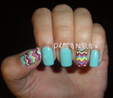 chevron pattern nails zig zag chevron print on your nails