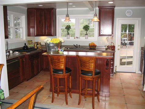 kitchen cabinets crown moulding cabinet crown molding use crown molding and cabinet trim