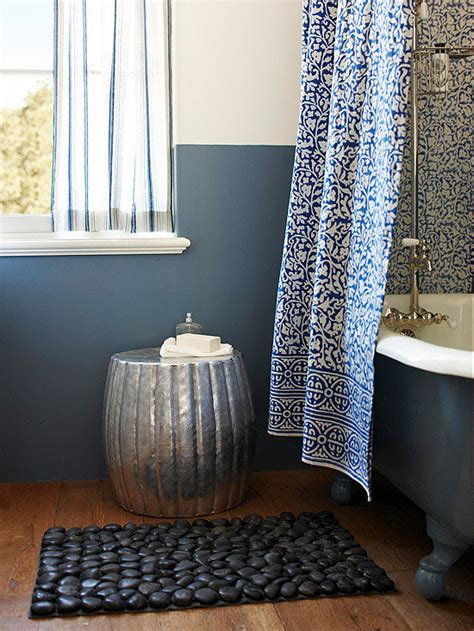 bathroom mat ideas 17 small bathroom decorating ideas the home touches