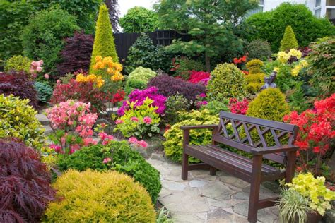small flower gardens 10 small flower garden landscaping ideas houz buzz