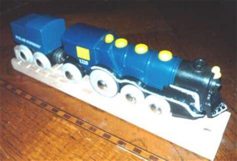 brio polar express wooden train set brio polar express wooden set train on popscreen