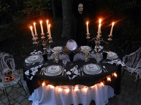 halloween backyard party 60 awesome outdoor halloween party ideas digsdigs