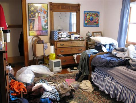 how to clean a cluttered bedroom 11 handy tips to keep your home clean and organized