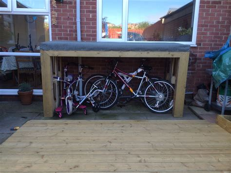 bike shed    pallets  decking boards  roll