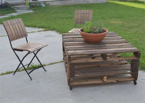 Handmade Pallet Furniture - 16 diy creative outdoor furniture always in trend