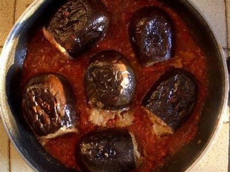 cuisiner des aubergines à la poele les aubergines farcies une recette savoureuse